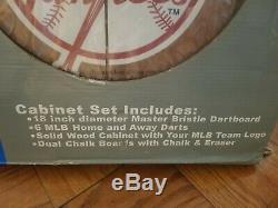 Classique De New York Yankees Dart Set Cabinet. Tout Nouveau Dans La Boite! Pinstripes! Nyy
