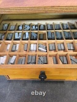 Vintage Set De Presse-lettres Ensemble Complet D'impression Alphabet & Cabinet